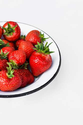 fruit strawberry fruits in round plate strawberry
