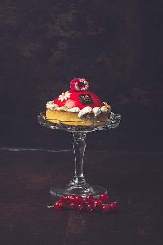 cake tray of round cake cream