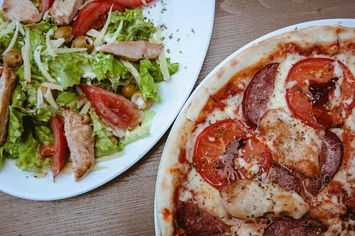 photo pizza vegetable salad in ceramic plate meal free for commercial use images