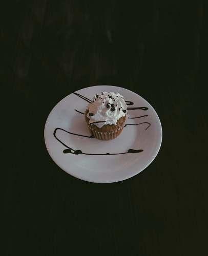cream white cupcake cupcake