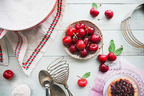 photo food red berries in bowl on table cherry free for commercial use images