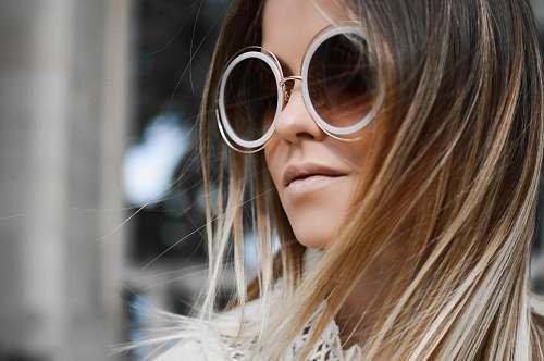 fashion woman wearing sunglasses sunglasses